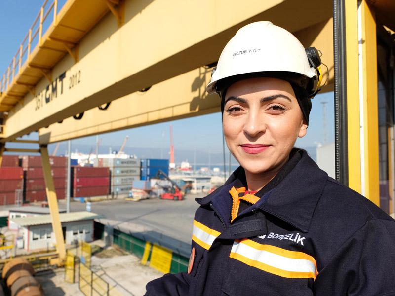 Kadına Güç İş Yok